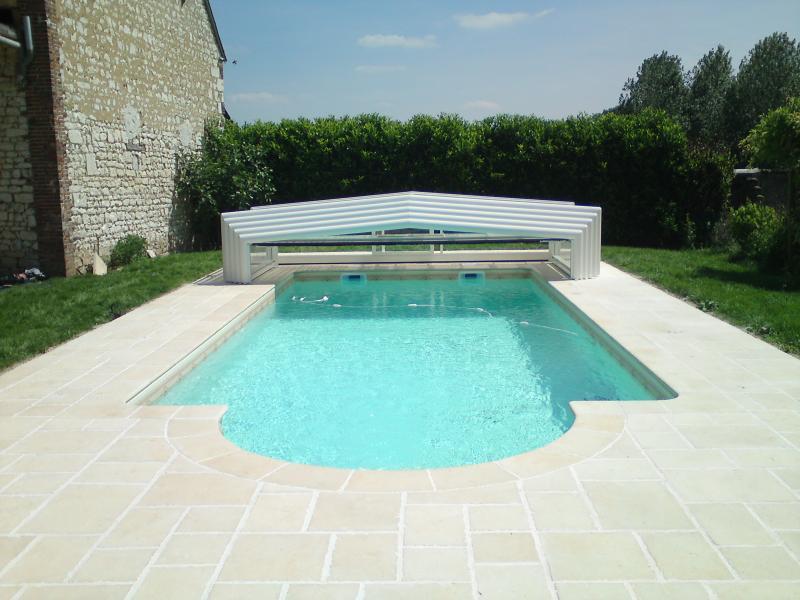 Quel abri de piscine choisir for Occasion abri de piscine